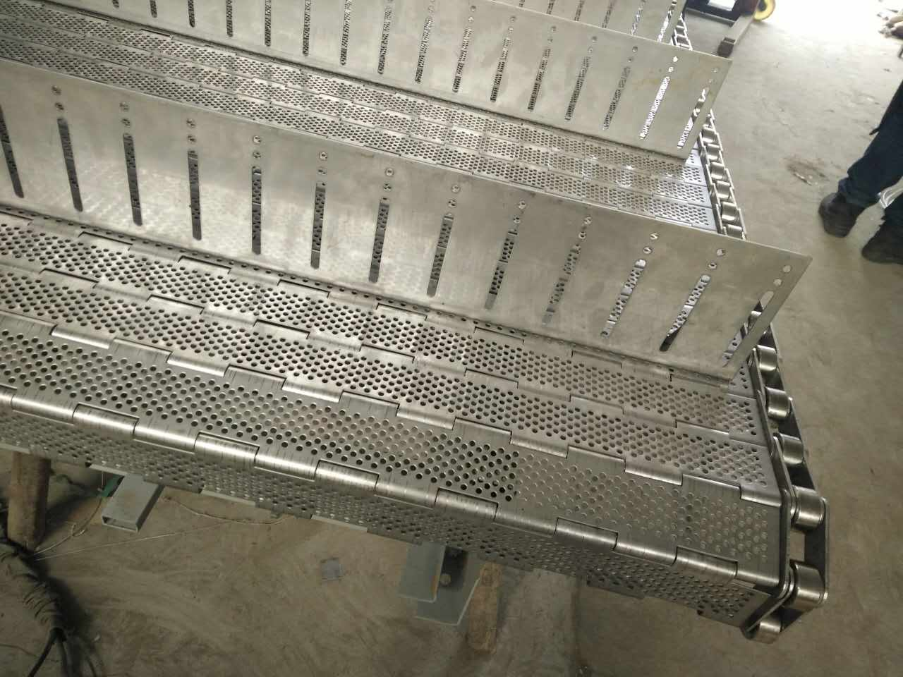中间挡板型链条链板网带